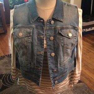Cropped Denim Vest (worn once)